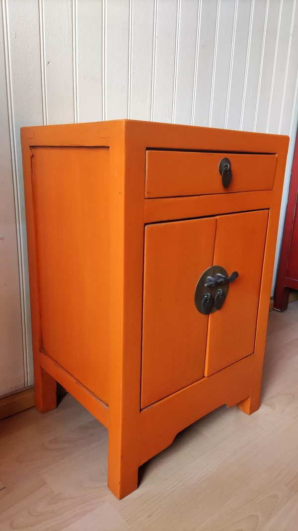 Chevet chinois orange orienté Asie