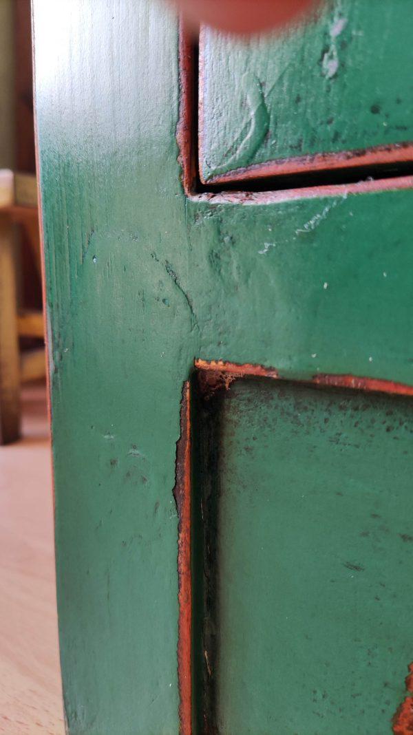 bahut chinois vert détail du pied