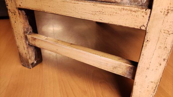 meuble chinois crème fleurs détail pieds